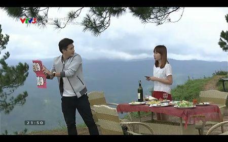 Phim Khuc hat mat troi - Tap 3: Vi noi lo com ao gao tien, Quang Tuan 'bo roi' Nha Phuong - Anh 3