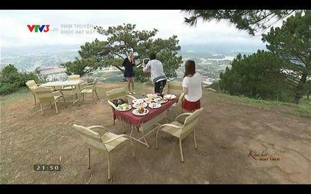 Phim Khuc hat mat troi - Tap 3: Vi noi lo com ao gao tien, Quang Tuan 'bo roi' Nha Phuong - Anh 5