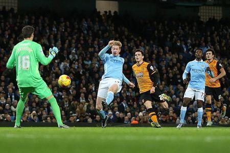 Doi mua ban thang, Man City vao ban ket League Cup - Anh 4