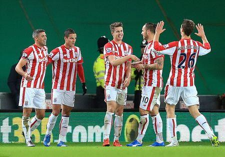 Doi mua ban thang, Man City vao ban ket League Cup - Anh 7