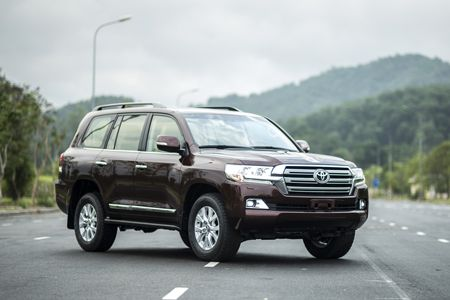 Toyota Land Cruiser phien ban moi, gia 2,8 ty dong tai Viet Nam - Anh 11