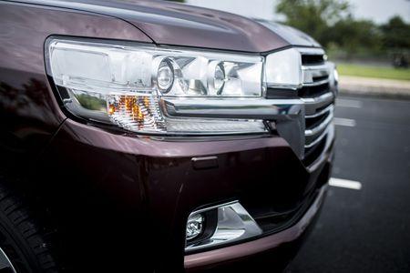 Toyota Land Cruiser phien ban moi, gia 2,8 ty dong tai Viet Nam - Anh 13