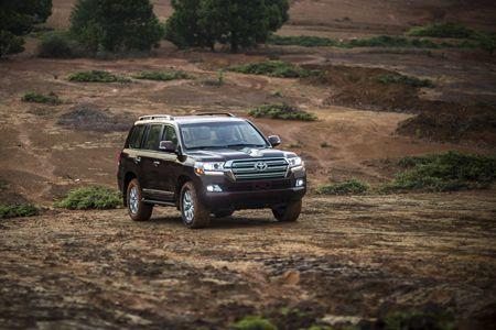 Toyota Land Cruiser phien ban moi, gia 2,8 ty dong tai Viet Nam - Anh 7