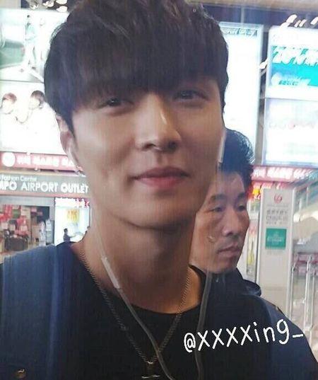 Guong mat moc thuc su cua cac thanh vien EXO - Anh 7