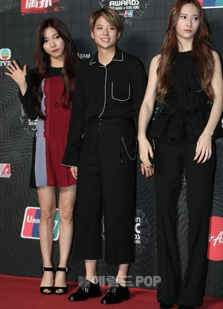 Tae Yeon goi cam, EXO trang diem dam tai MAMA 2015 - Anh 3