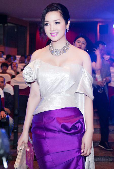 HH Giang My dep long lay ben Mai Thu Huyen - Anh 5