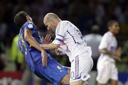 Con trai Zidane tai hien cu huc dau cua bo - Anh 1