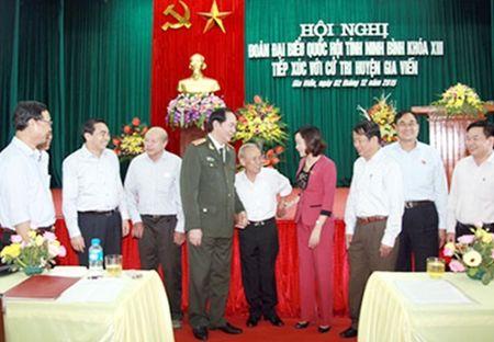 Bo truong Tran Dai Quang tiep xuc cu tri tai Ninh Binh - Anh 1