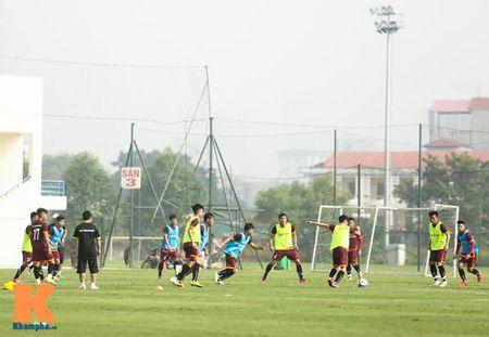 """U23 Viet Nam: Cong Phuong """"toa sang"""" buoi tap dau - Anh 13"""