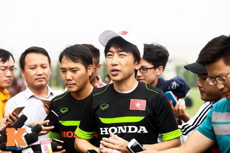"""U23 Viet Nam: Cong Phuong """"toa sang"""" buoi tap dau - Anh 15"""