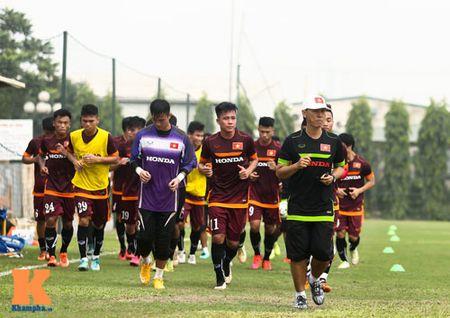 """U23 Viet Nam: Cong Phuong """"toa sang"""" buoi tap dau - Anh 3"""