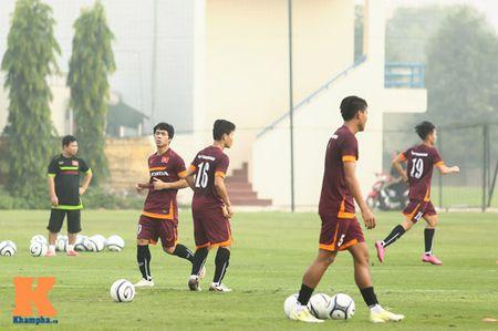 """U23 Viet Nam: Cong Phuong """"toa sang"""" buoi tap dau - Anh 4"""