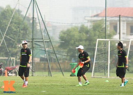 """U23 Viet Nam: Cong Phuong """"toa sang"""" buoi tap dau - Anh 5"""