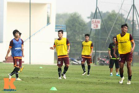 """U23 Viet Nam: Cong Phuong """"toa sang"""" buoi tap dau - Anh 6"""