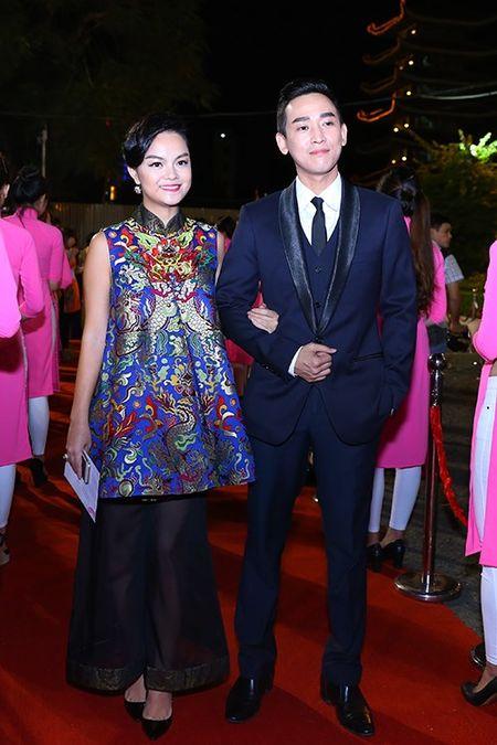 My nhan Viet khoe nhan sac tren tham do lien hoan phim - Anh 11