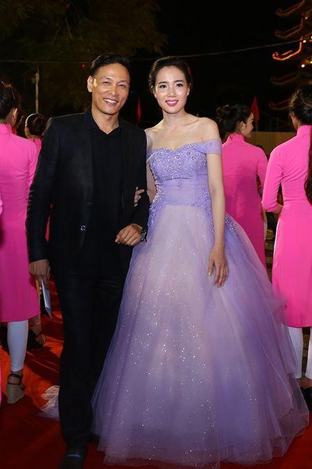 My nhan Viet khoe nhan sac tren tham do lien hoan phim - Anh 8