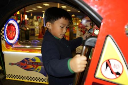 Lam Truong gap con trai tren dat My - Anh 4