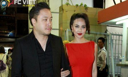 Dinh Ngoc Diep tay trong tay cung Victor Vu du LHP Viet Nam - Anh 1