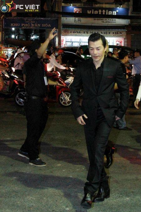 Dinh Ngoc Diep tay trong tay cung Victor Vu du LHP Viet Nam - Anh 6