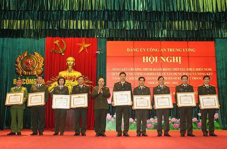Tong ket Chuong trinh hanh dong so 25 tiep tuc thuc hien Nghi quyet TW 4 (khoa XI) - Anh 3