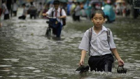 Ha Noi van hanh 5 tram canh bao ung ngap cho khu vuc noi thanh - Anh 1