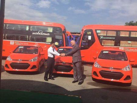 Taxi Phuong Trang nhan 100 dau xe moi tu Hyundai - Anh 1