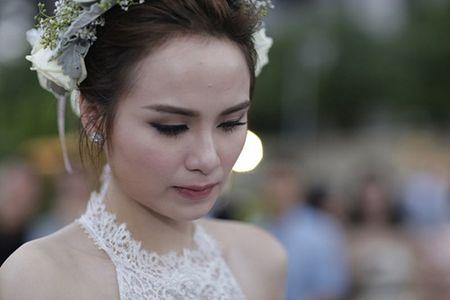 Vi sao cha me Hoa hau Diem Huong khong du dam cuoi con gai? - Anh 3