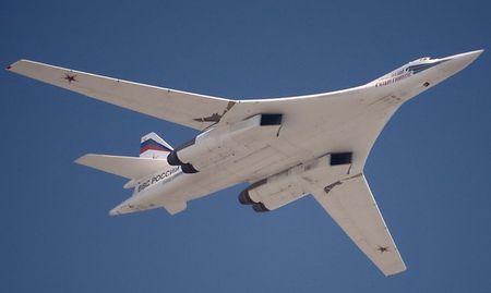 Kinh hoang truoc suc manh lam chu bau troi cua Tu-160 - Anh 8