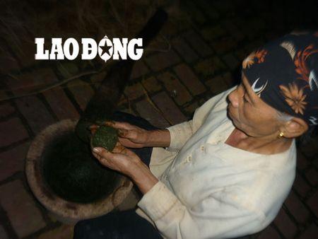 Ba lao 30 nam chua benh meo mom mien phi bang bai thuoc gia truyen - Anh 1