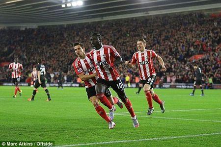 Southampton 1-6 Liverpool: Origi lap hat-trick dua The Kop bay vao ban ket cup Lien doan Anh - Anh 2