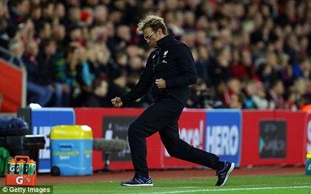 Southampton 1-6 Liverpool: Origi lap hat-trick dua The Kop bay vao ban ket cup Lien doan Anh - Anh 4