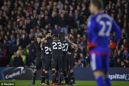 Southampton 1-6 Liverpool: Origi lap hat-trick dua The Kop bay vao ban ket cup Lien doan Anh - Anh 5