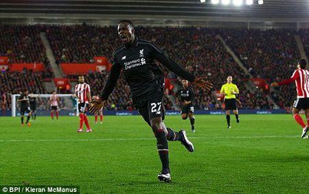Southampton 1-6 Liverpool: Origi lap hat-trick dua The Kop bay vao ban ket cup Lien doan Anh - Anh 6