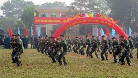 Khai mac Hoi thao Quoc phong luc luong vu trang Thu do Ha Noi - Anh 1