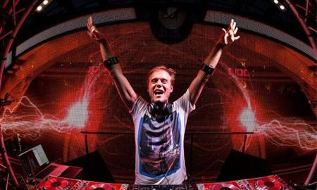 Armin van Buuren trinh dien cong nghe armband o Viet Nam - Anh 1