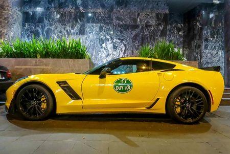 Sieu xe Corvette Z06 thu hai tai Viet Nam ra bien so trang - Anh 3
