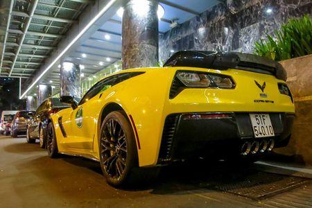 Sieu xe Corvette Z06 thu hai tai Viet Nam ra bien so trang - Anh 4