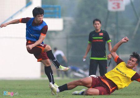Doi truong U19 bo do buoi tap cung U23 Viet Nam - Anh 7
