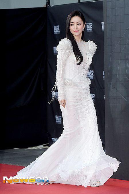 Tae Yeon (SNSD) long lay voi dam ren do tai MAMA 2015 - Anh 7