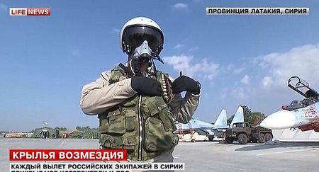 Xem vu khi tu ve cua phi cong Nga o Syria - Anh 2