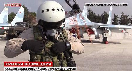 Xem vu khi tu ve cua phi cong Nga o Syria - Anh 4