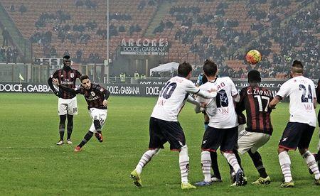 AC Milan 3-1 Crotone: Milan phai can toi hiep phu de vuot qua doi hang hai - Anh 1