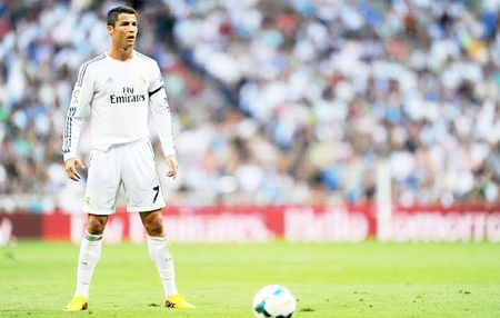 Real Madrid: Vi Chua, dung cho Ronaldo da phat! - Anh 1