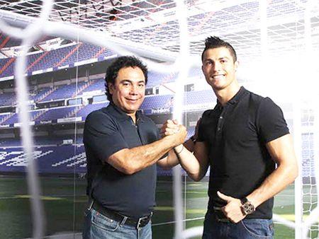 Real Madrid: Vi Chua, dung cho Ronaldo da phat! - Anh 2
