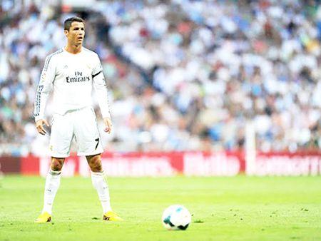 'Nghe thuat kiem phat den' cua Ronaldo - Anh 2