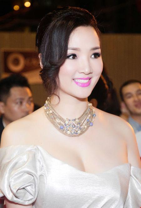 Hoa hau Giang My dien dam tim long lay tai LHP Viet Nam - Anh 6