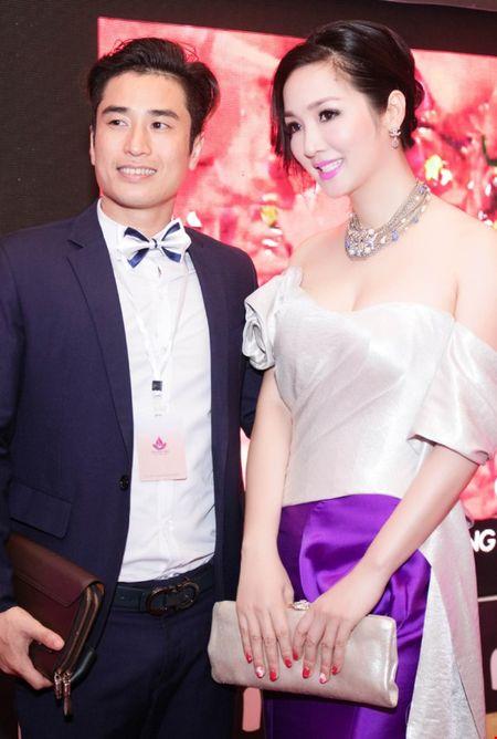 Hoa hau Giang My dien dam tim long lay tai LHP Viet Nam - Anh 9