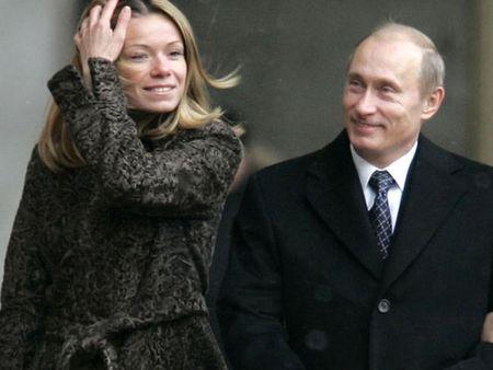 Tong thong Putin len chuc ong ngoai - Anh 1