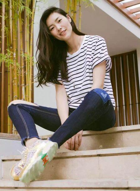Ngam Street Style cua thien than Victoria's Secret chau A-Liu Wen - Anh 1