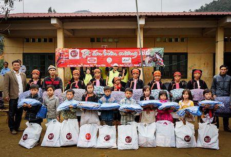 Hoa hau Lam Cuc dep rang ngoi ben A hau Phuong Le trong dem hoi ngo - Anh 6